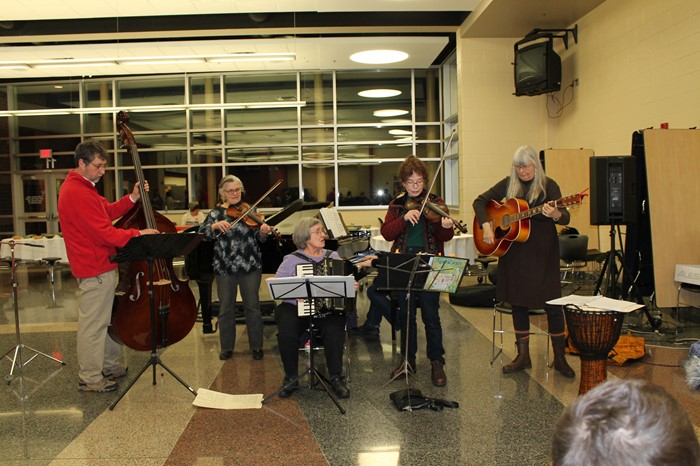 Bluegrass band playing at Empty Bowls 2017 photo