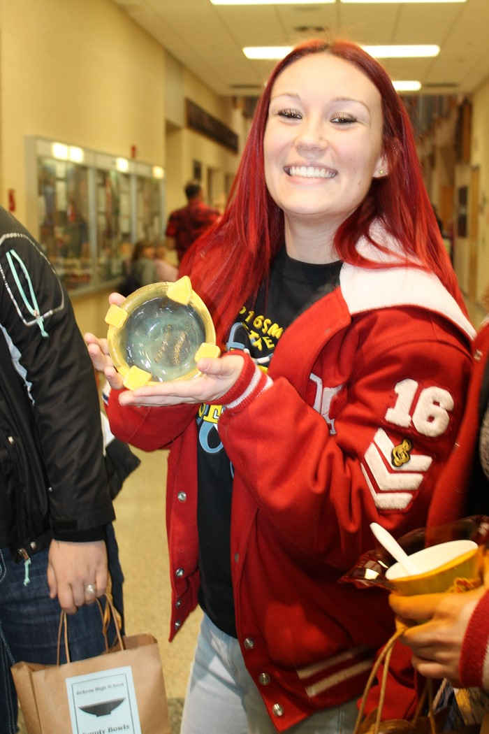 Student Empty Bowls 2017 photo